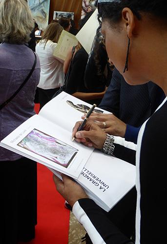 Michaela de Luxe Autogramme
