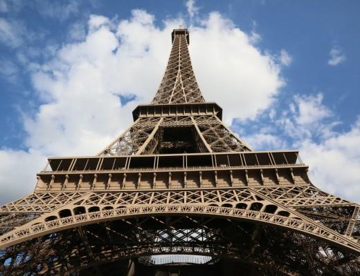 Eiffelturm am Tag