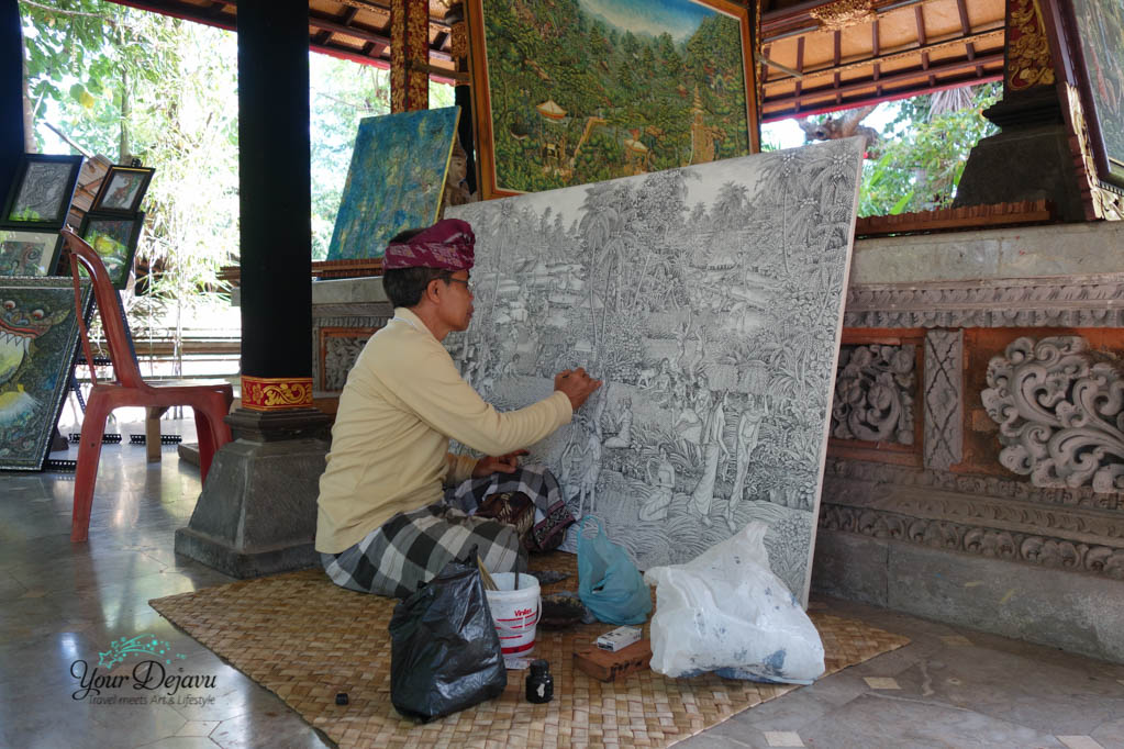 ARMA Artist working on a tradional balinese picture