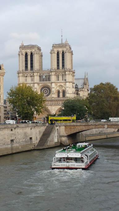 Notre Dame Blick vom Fluß